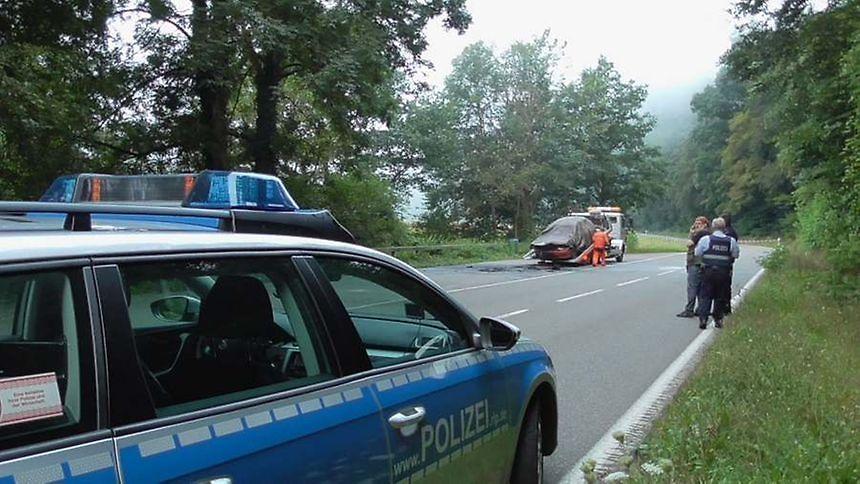 Woman's body found in burning car near Trier