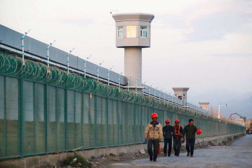 China-Tibet-and-Uighurs-Chinese-Centrism-Suppression-of-Minorities-002-1024×683